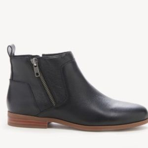 Sole Society Black Leather Flat Booties Zippers 8